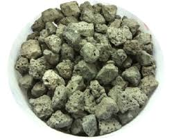 Steel slag as a raw material for preparing magnetite and akaganéite nanoparticles