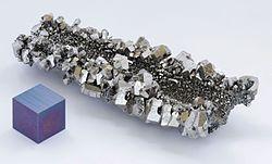 أكسيد النيوبيوم والتانتالم