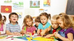 """تطوير رياض الأطفال في ضوء خبرات بعض الدول الأجنبية """"دراسة ميدانية بمحافظة المنيا"""""""