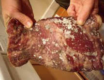 Mycological investigations in beef and chicken