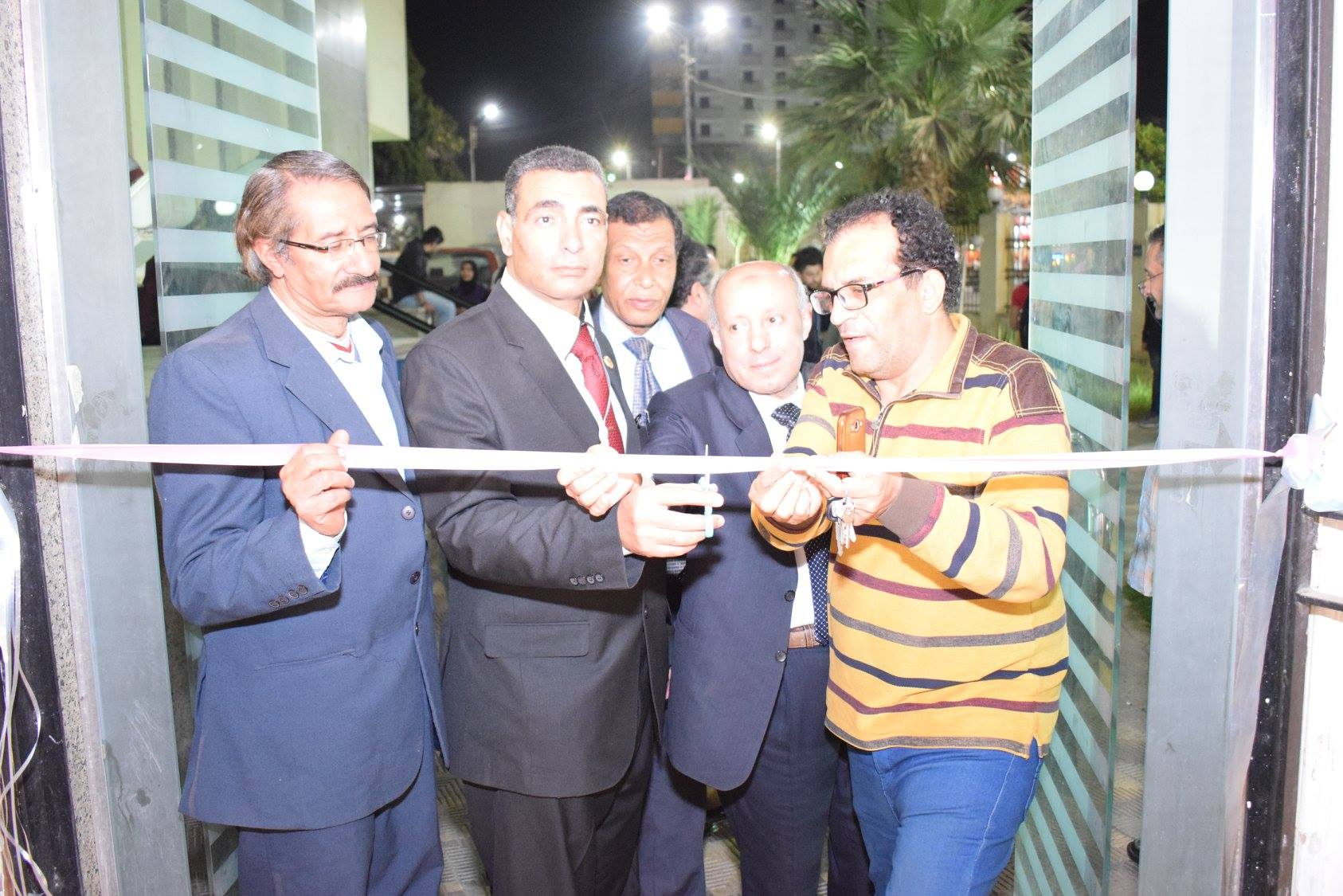 افتتاح معرض فنى بقصر ثقافة سوهاج